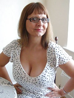 Mature Glasses Pics