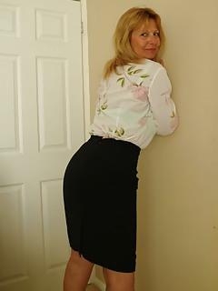 Mature Skirt Pics