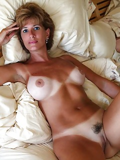 naked-mature-sexy-hot-milf-women